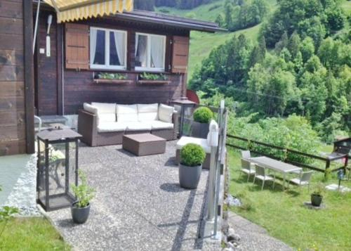 Chalet BARBACH - Entire Detached Chalet, Interlaken