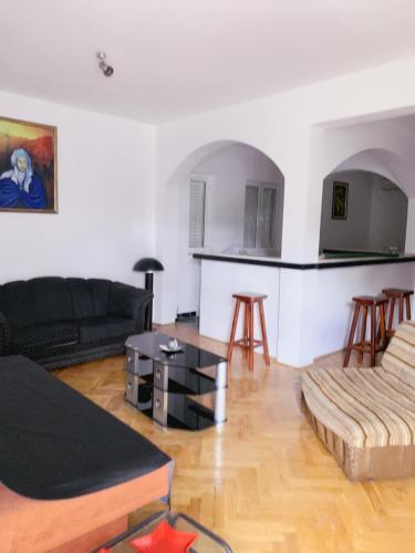 Hostel Holiday Cetinje,