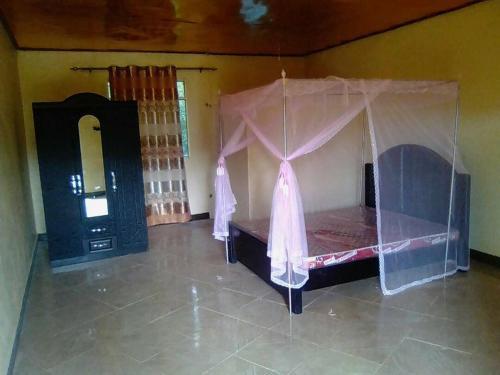Royal Paradise Hotel, Buikwe