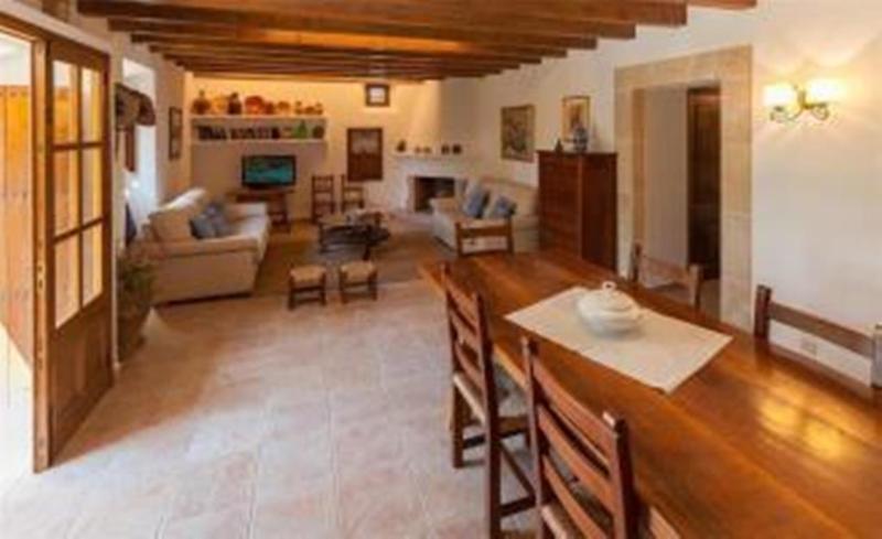 Cami De Llenaire Holiday house Vil4, Wajir North