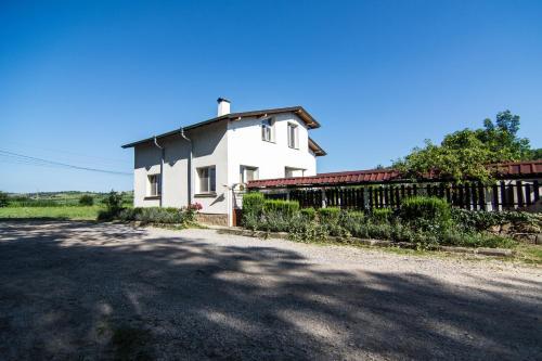 Guest House V.I.T., Loukovit
