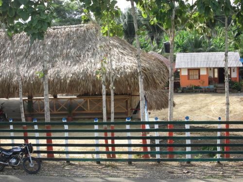 Loma Fresca, Moñitos