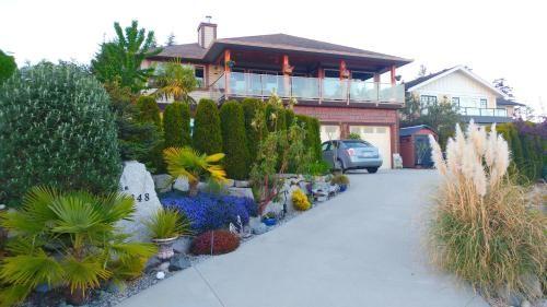 Sechelt Tropical Paradise, Sunshine Coast