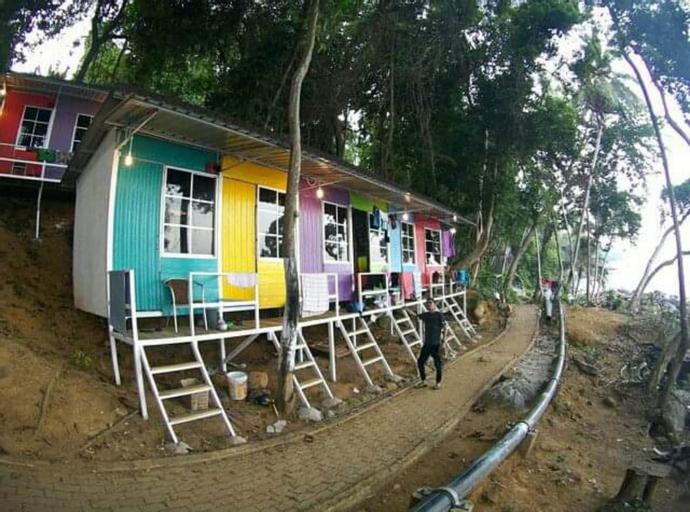 Warna Warni Cabin, Besut
