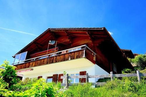 SwissHut Lena, Thun