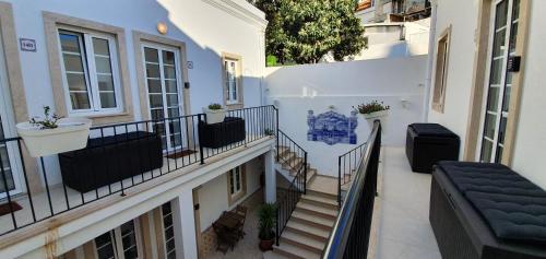 BmyT - The Villa, Lisboa
