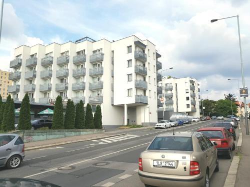 G support apartment, Praha 15