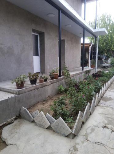 Гостевои дом, Kadamjai