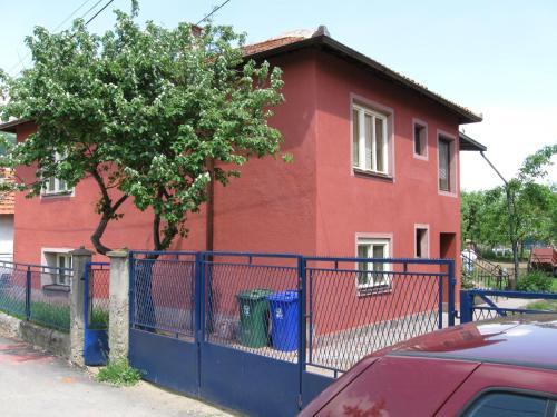 Prenociste Beles, Dimitrovgrad