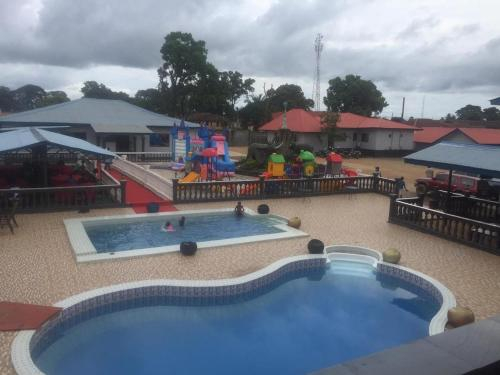 Hotel Albertson, Kenema
