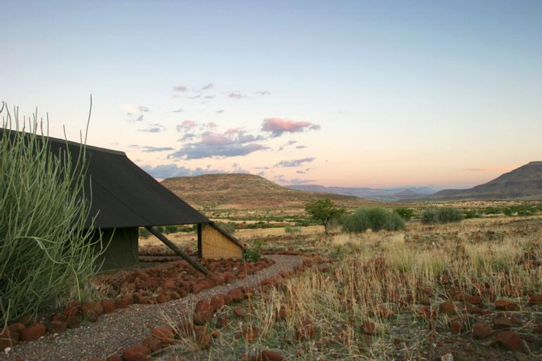 Etendeka Mountain Camp, Sesfontein