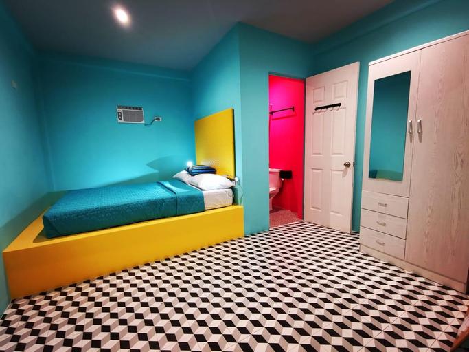 Way Shack Hostel, Oslob