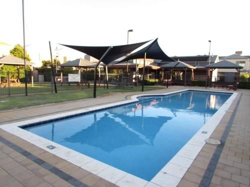 Great Location, Secure and Comfy Villa near Airports and CBD, Belmont