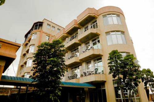 Splendid Hotel, Muhanga