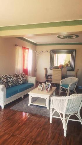 Hermosa Casa Disponible En El Centro de Jarabacoa, Jarabacoa