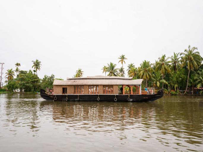 OYO 16841 Sree Vinayaka, Alappuzha