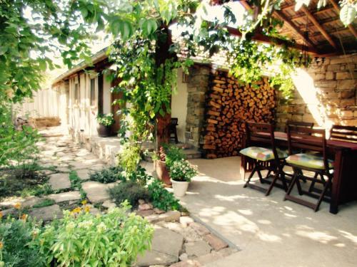 Lavender Lodge, Chirpan