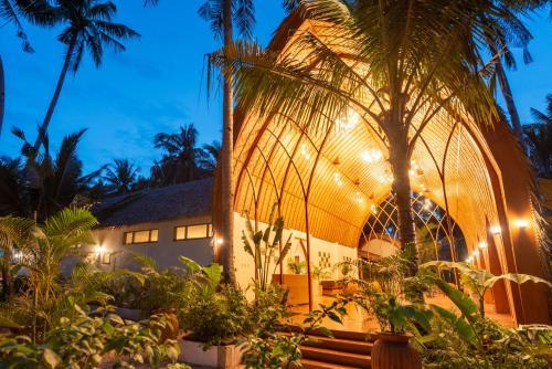 Tropical Temple Siargao Resort, General Luna