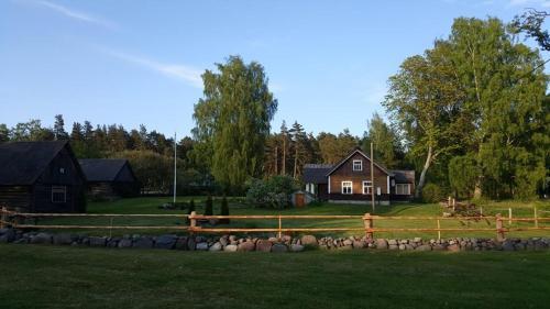 Laane-Bullersi talu, Ruhnu