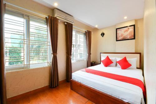 OYO 208 Apec Hotel, Ba Đình
