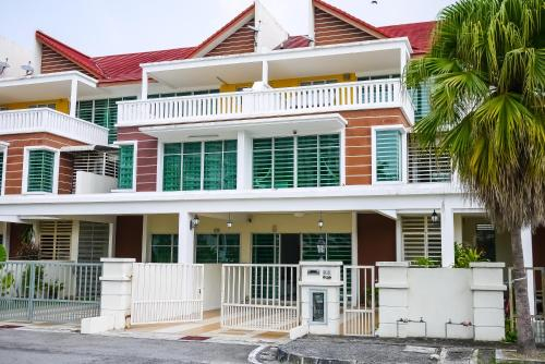 Comfort Room in Bungalow 10min to Straits Quay 1, Pulau Penang