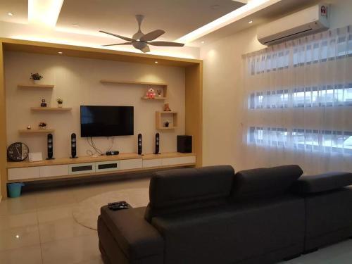 OPAL RESIDENZ CLUSTER DOUBLE-STORY HOUSE, Johor Bahru