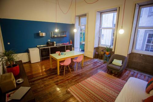 Adorable Apartments in Great Area, Porto