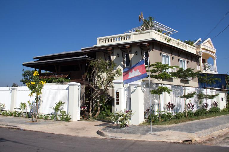 Makk Hotel, Kampong Bay