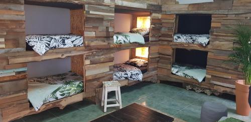 Santa Cruz Surfhouse Shared-room, Torres Vedras