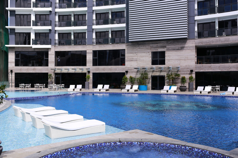 SIGLO SUITES @ The Knightsbridge Residences, Makati City