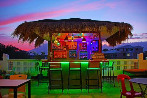 Antwet Backpacker's Inn & Rooftop Bar, Dumaguete City
