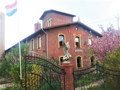 Villa Oranje, Jawor