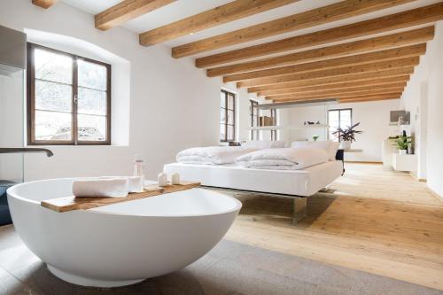 Thunish│Design Apartments in a historic farmhouse, Bolzano