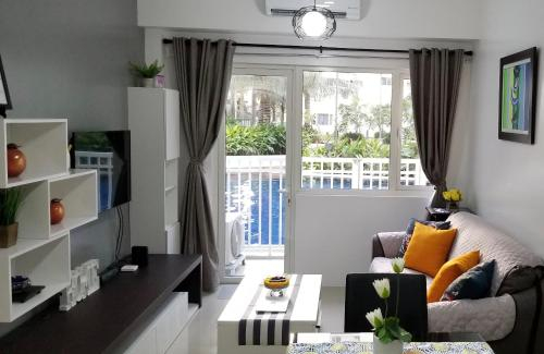 Shore Residences,Seaside BLVD. Cor Sunrise DR. MOA Complex Barangay 76, Pasay City