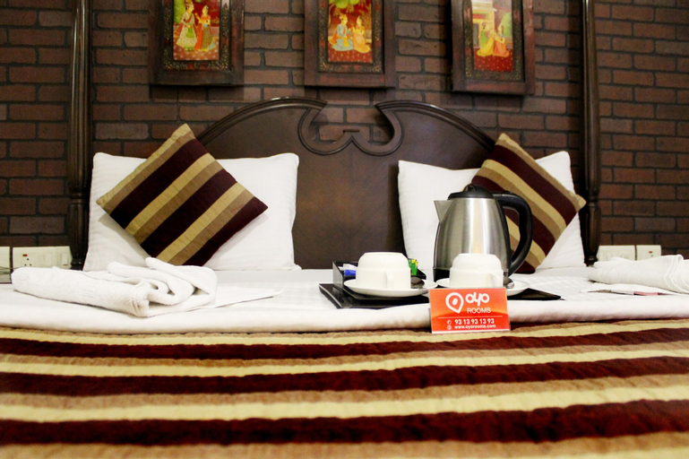 OYO 557 Hotel Lavish Inn, West