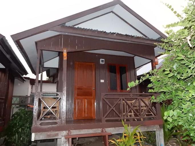 Paradise Riverview Resort, Khong