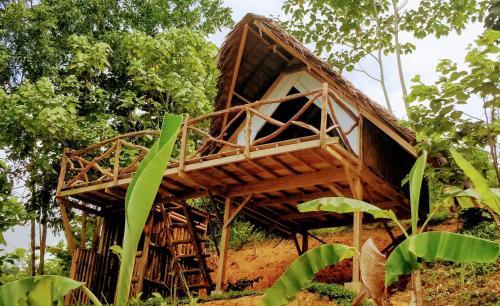 Jungle bar Resto & Cottages, San Vicente