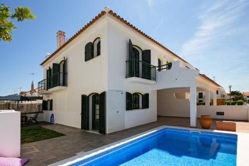 Feels Like Home Altura Sunny House with Pool, Castro Marim
