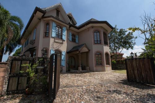 The Ridgehill Manor, Klang