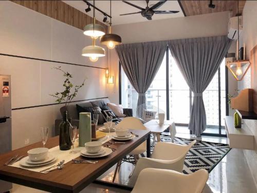 Sophiscated Suites @ Country Garden, Johor Bahru
