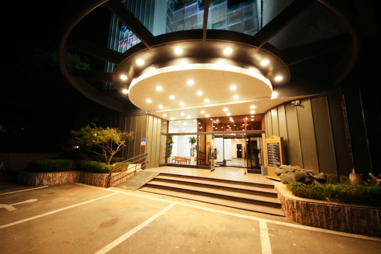 Liaju Spa & Hotel, Asan