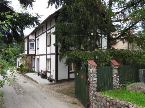 Azyl, Sulęcin