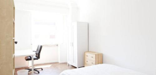 Flat E - Apartment at rua Jose Estevao, Lisboa