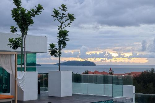 Perfect Suite Avenue @Sunset Seaview Infinity Pool, Kota Kinabalu