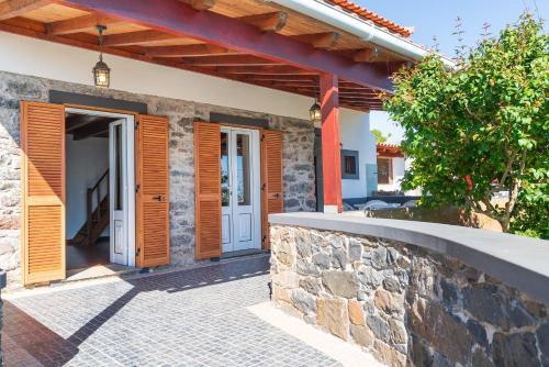 Casa da Mae do Raivinha, Calheta