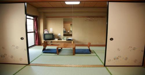 Business Hotel Wayo-kan / Vacation STAY 11004, Inazawa