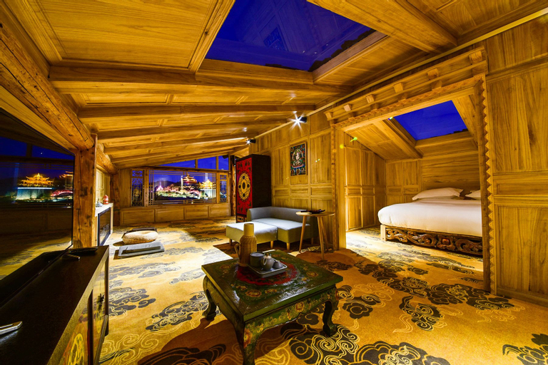 Herland Inn, Dêqên Tibetan