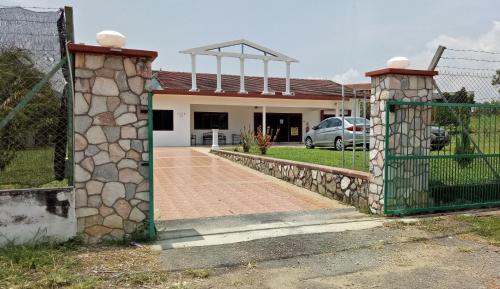 SAUJANA GUEST HOME, Port Dickson