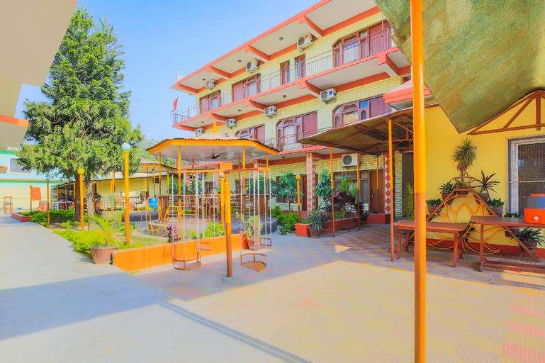 OYO 360 Hotel Sorai, Seti