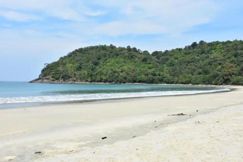 Myanmar Paradise Beach Bungalows, Dawei